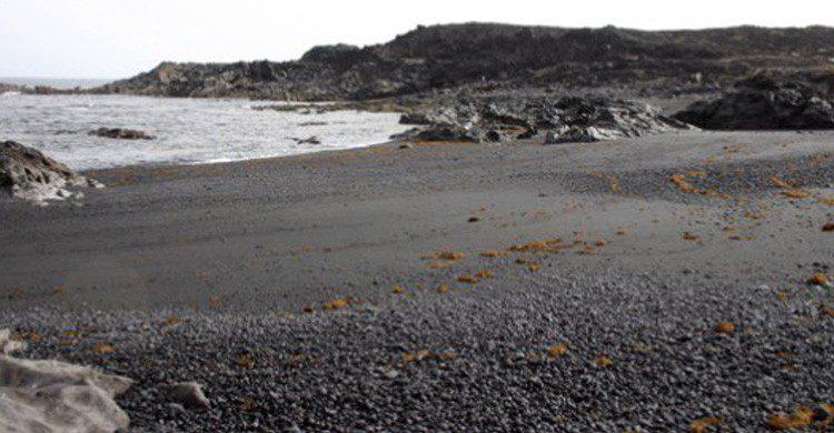 Playa Las Malvas en Lanzarote (Fuente: ociolanzarote.com)