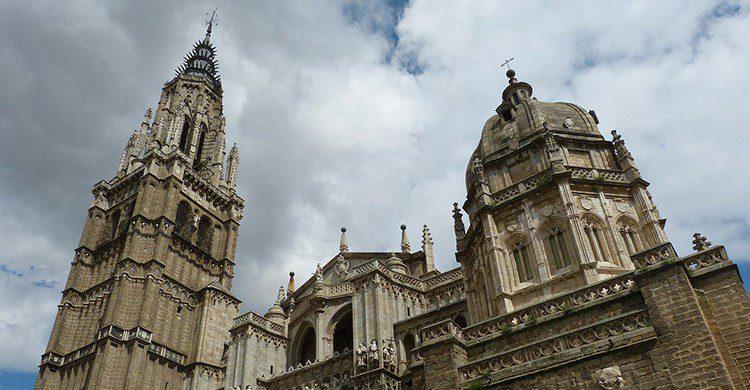 Torre y cúpula de la catedral de Toledo