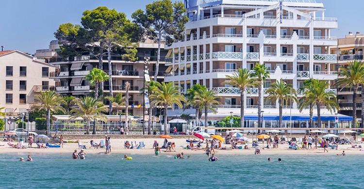 Hotel Casablanca Playa (www.casablancaplayahotelsalou.com)