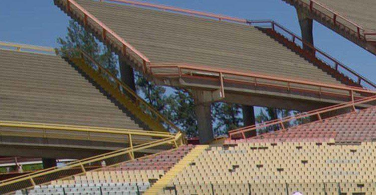Las gradas del Estadio Mmabatho en Sudáfrica (Fuente: stadiumdb.com)