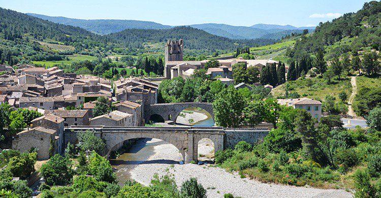 Lagrasse, uno de los pueblos del sur de Francia (Pixabay)