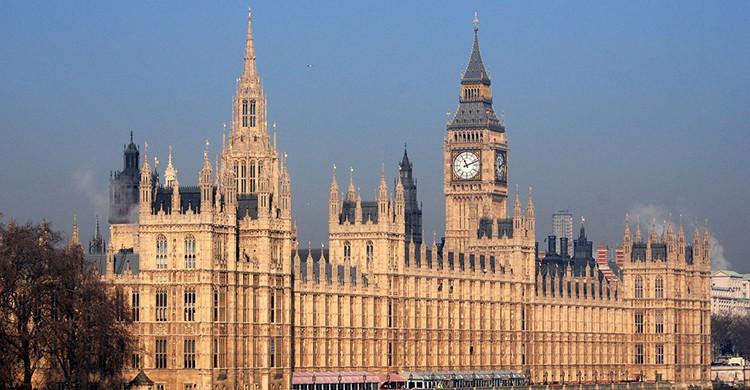El Palacio de Westminster es conocido comoCasas del Parlamento (Pixabay)
