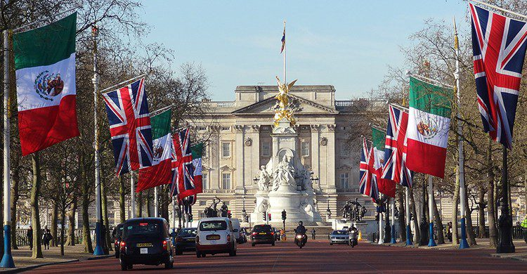 Buckingham Palace (Pixabay)