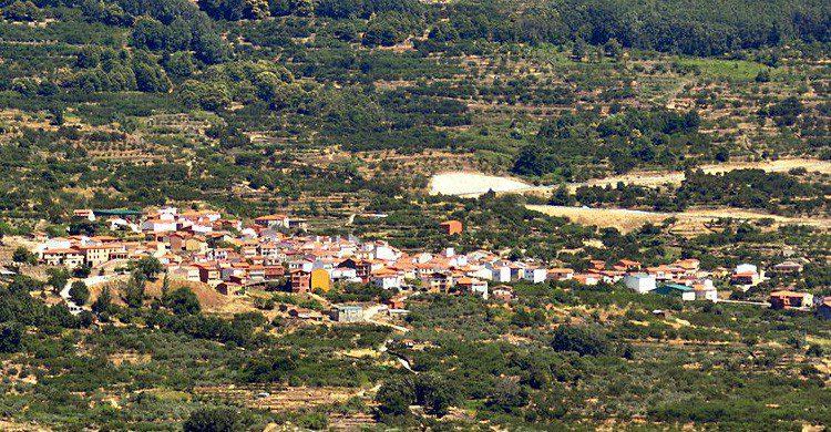 Vistas de Cabrero en el Valle del Jerte (Fuente: wikimedia)