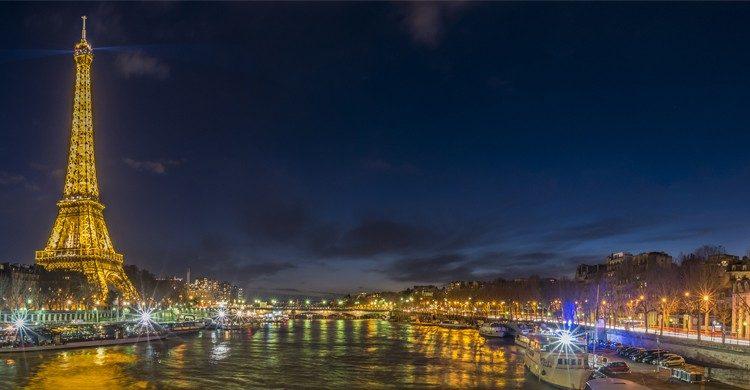 París es la ciudad del amor y de las luces. (iStock)