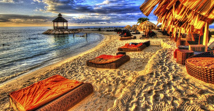 vista de Ocho Rios en Jamaica(Istock)