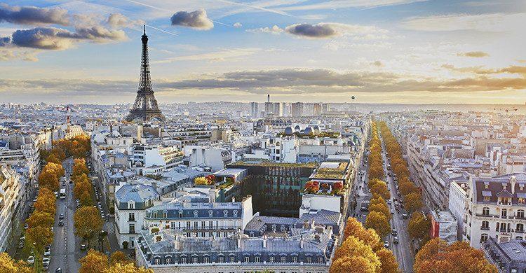 Vistas del atardecer de París (Istock)